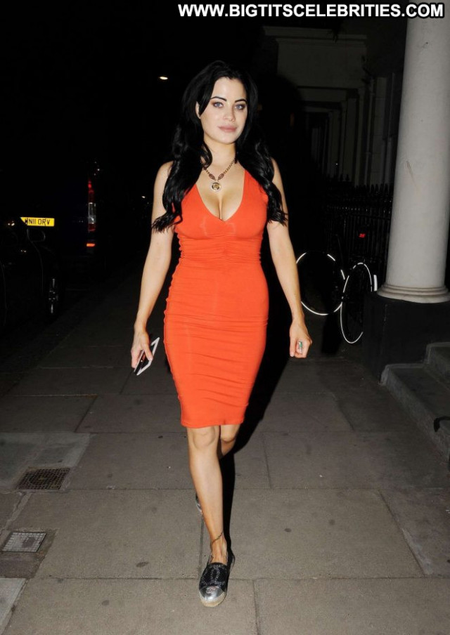 Carla Howe No Source Beautiful Babe London Celebrity Paparazzi Posing
