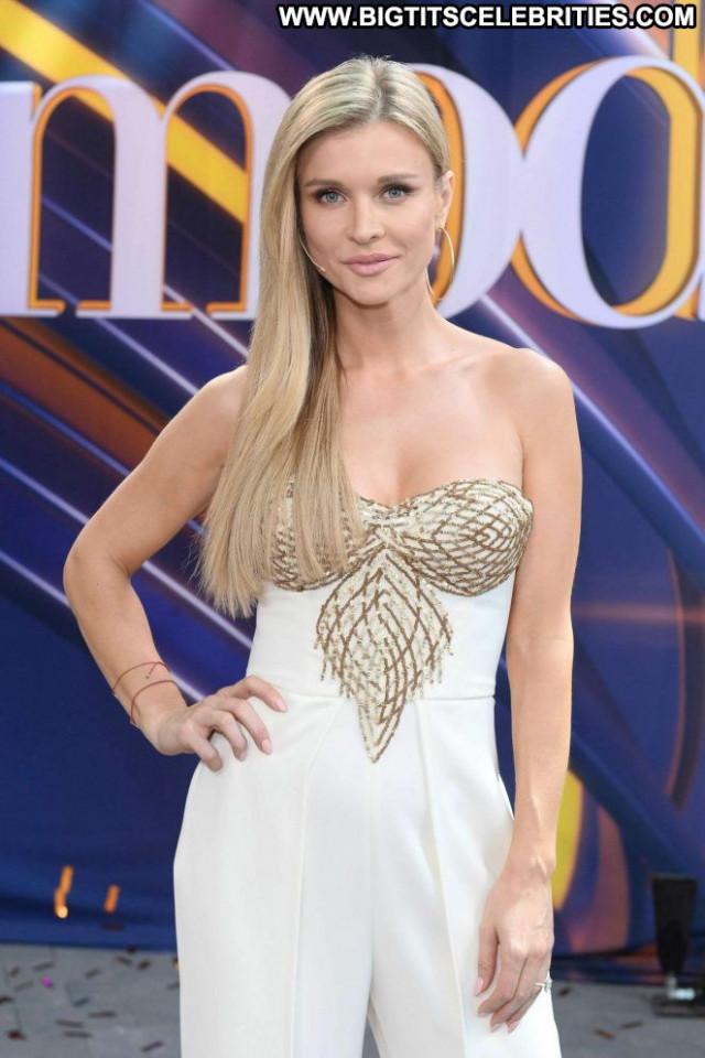 Joanna Krupa No Source Celebrity Posing Hot Babe Beautiful Model