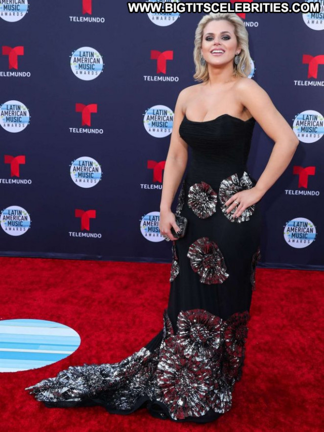 Isabella Castillo American Music Awards Awards Paparazzi Angel