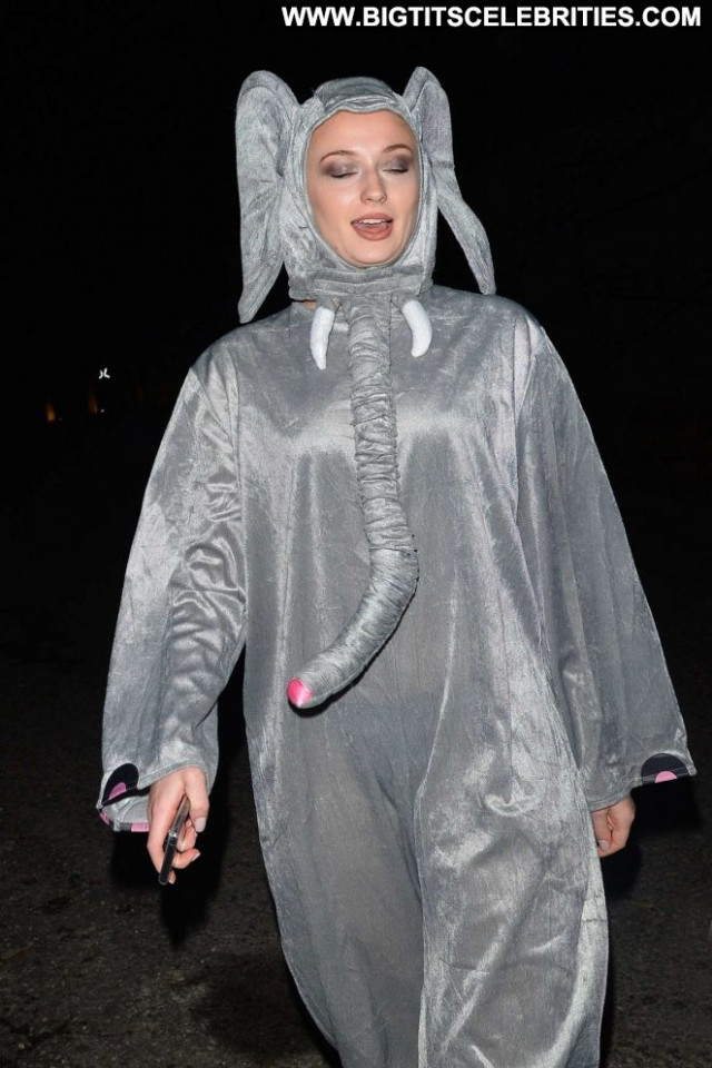 Sophie Turner Halloween Party Halloween Paparazzi Babe Beautiful