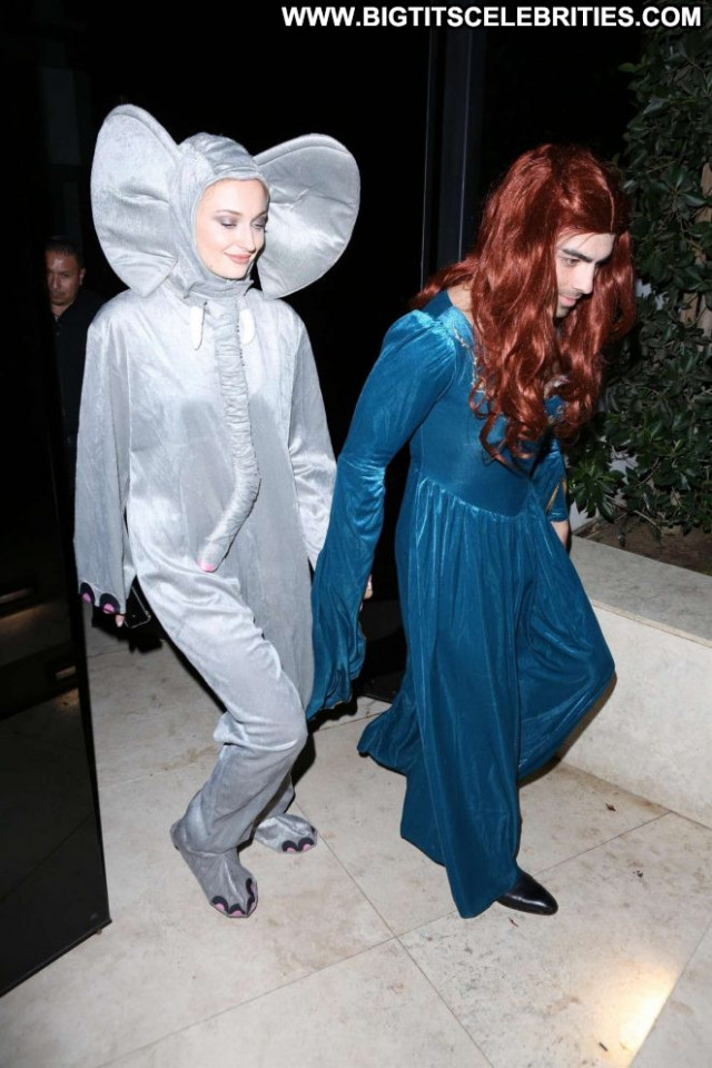 Sophie Turner Halloween Party  Posing Hot Party Los Angeles Celebrity