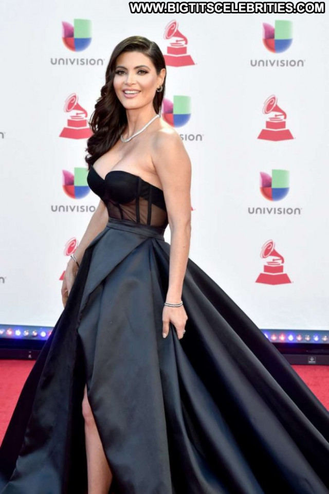 Quin Grammy Awards Babe Beautiful Latin Paparazzi Posing Hot
