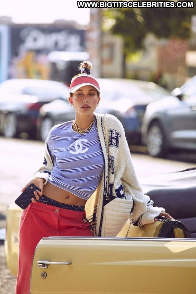 Hailey Baldwin No Source  Babe Beautiful Celebrity Paparazzi Posing