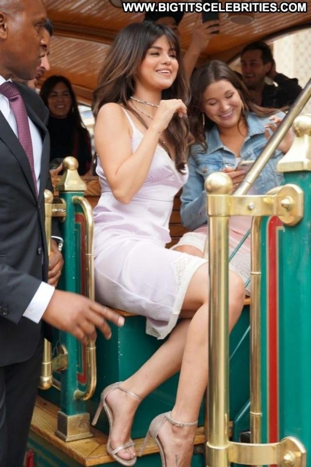 Selena Gome Los Angeles Celebrity Posing Hot Angel Coach Los Angeles
