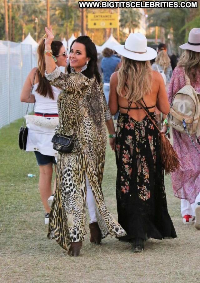 Lisa Rinna No Source Babe Posing Hot Rich Coach Paparazzi Celebrity