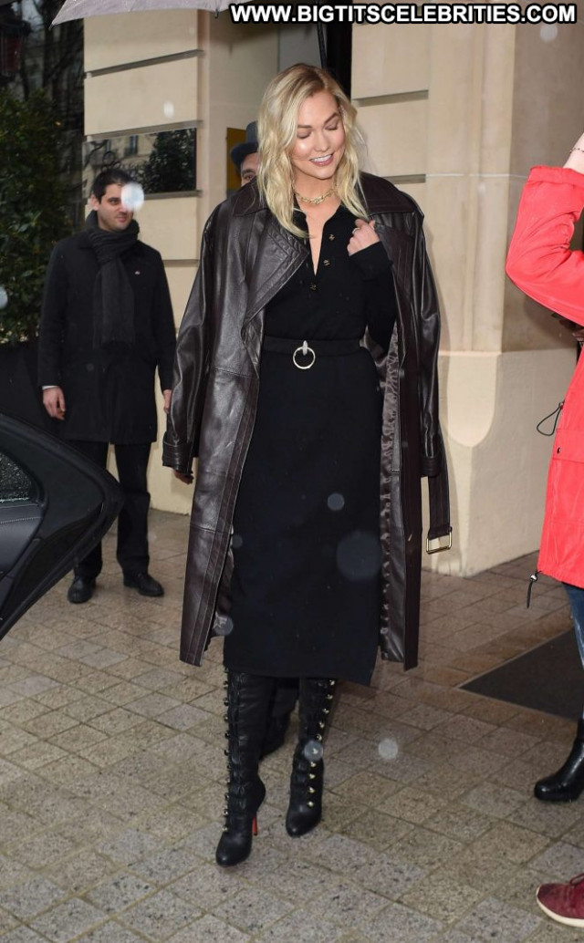 Karlie Kloss No Source Babe Paparazzi Hotel Hot Beautiful Posing Hot