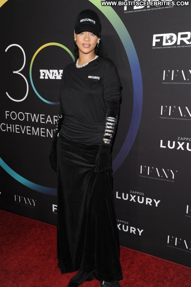 Rihanna Braless New York New York Beautiful Braless Bra Awards Bar