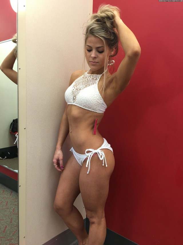 Valerie Pac Fappening Beautiful Babe Celebrity Posing Hot